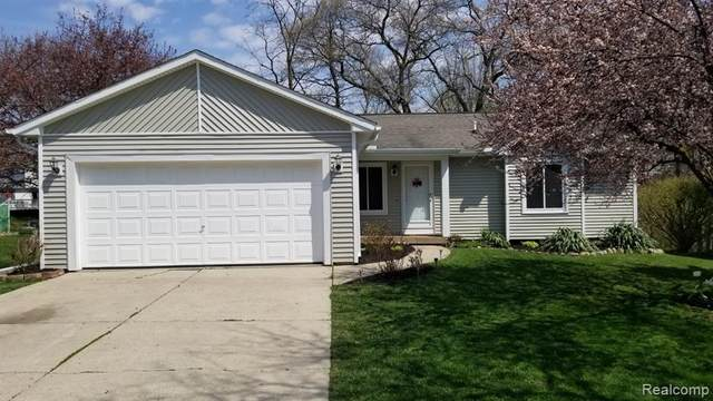 951 Fairway Trails Drive N, Brighton, MI 48114 (#2200035380) :: GK Real Estate Team