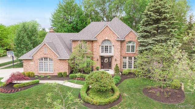 25807 Laramie Drive, Novi, MI 48374 (MLS #2200035531) :: The Toth Team