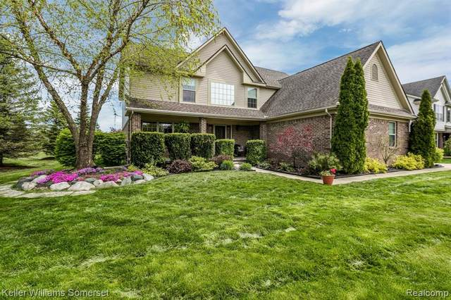 25069 Pine Ridge Drive, Brownstown Twp, MI 48134 (MLS #2200035558) :: The Toth Team
