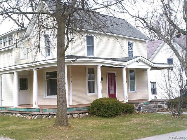 3932 N Oak Street, Metamora Vlg, MI 48455 (#2200035879) :: Duneske Real Estate Advisors