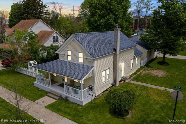 433 S Main Street, Milford Vlg, MI 48381 (#2200035883) :: The Mulvihill Group