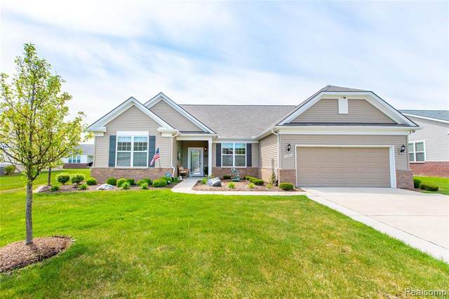 23961 Montague Drive, Brownstown Twp, MI 48134 (MLS #2200035915) :: The Toth Team