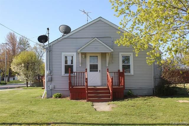 101 W Vinewood Street, Durand, MI 48429 (MLS #2200036123) :: The Toth Team