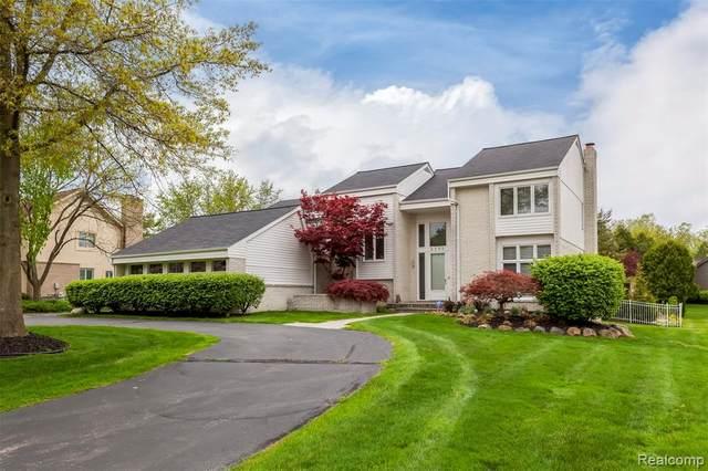 6240 Rose Boulevard, West Bloomfield Twp, MI 48322 (#2200036140) :: BestMichiganHouses.com