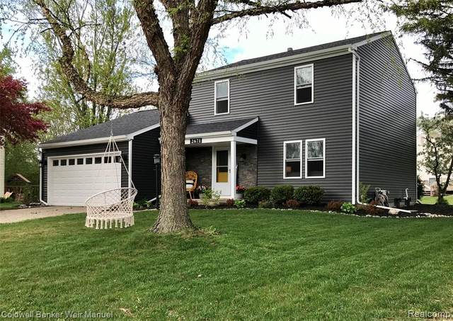 2671 Wellview Court, Orion Twp, MI 48360 (#2200036353) :: The Mulvihill Group