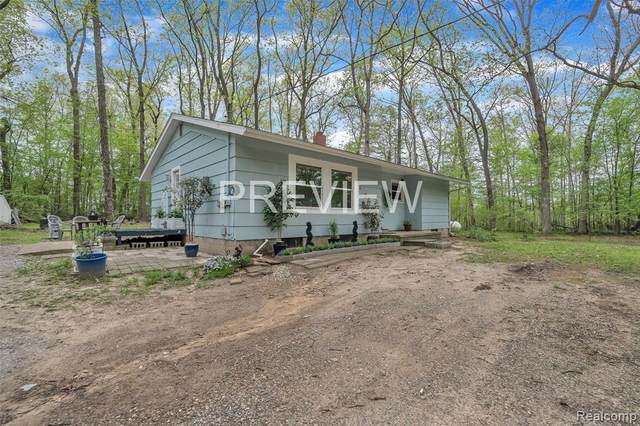 10875 Beach Road, Lima Twp, MI 48130 (MLS #2200036377) :: The Toth Team