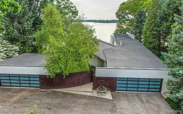 3040 Middlebelt Road, West Bloomfield Twp, MI 48323 (#2200036466) :: GK Real Estate Team