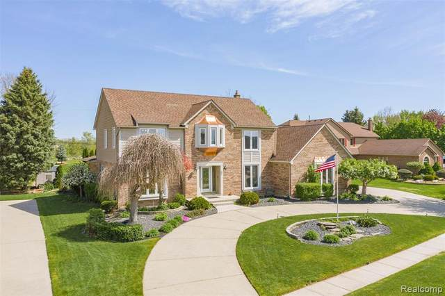 14829 Chatham Drive, Shelby Twp, MI 48315 (MLS #2200036497) :: The Toth Team