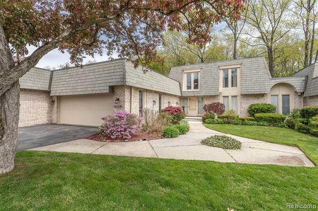 5189 Woodlands Drive, Bloomfield Twp, MI 48302 (#2200036676) :: The Mulvihill Group