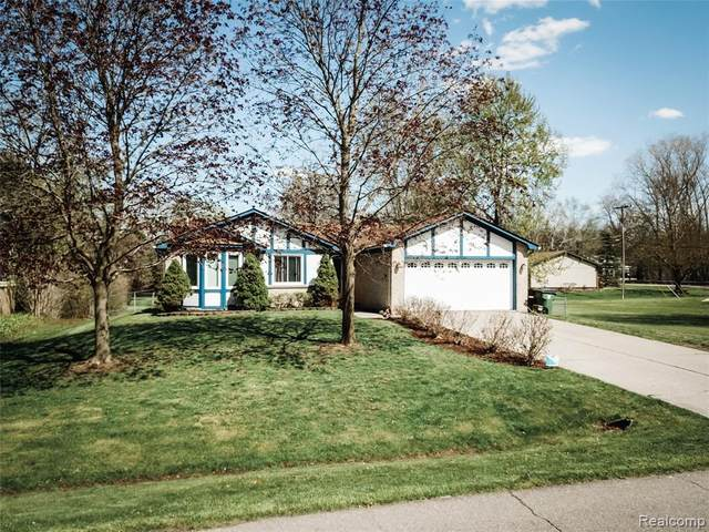 53028 Ruann Drive, Shelby Twp, MI 48316 (#2200036837) :: The Alex Nugent Team | Real Estate One