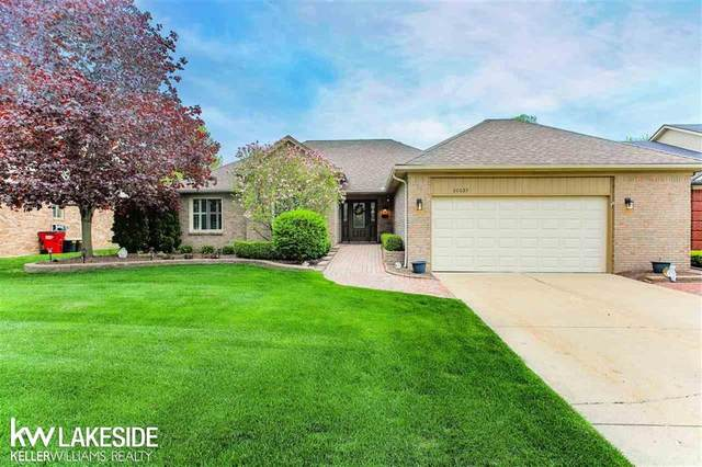 20039 Pine Cone Dr, Macomb Twp, MI 48042 (#58050012389) :: The Alex Nugent Team | Real Estate One