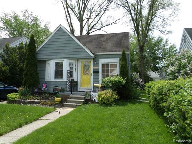 1079 Harvard Road, Berkley, MI 48072 (#2200036888) :: RE/MAX Nexus