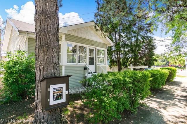 208 E Saratoga Street, Ferndale, MI 48220 (#2200037085) :: RE/MAX Nexus