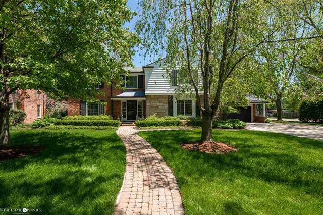 510 Lakeland, Grosse Pointe, MI 48230 (MLS #58050012466) :: The Toth Team