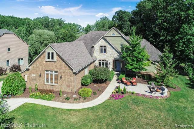 8605 Stoney Creek Drive, Green Oak Twp, MI 48178 (MLS #2200037212) :: The Toth Team