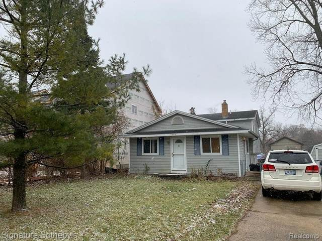 4005 Elmhurst Road, Waterford Twp, MI 48328 (#2200037365) :: Real Estate For A CAUSE
