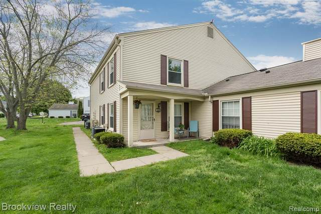 2914 Meadowbrook Court, Orion Twp, MI 48360 (MLS #2200037799) :: The Toth Team