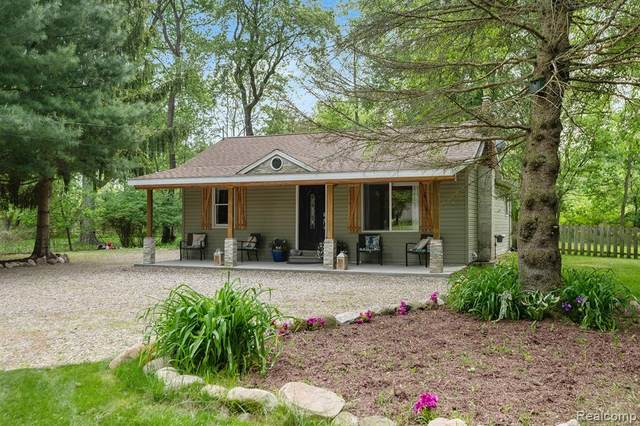 205 Pulford Street, Howell, MI 48843 (MLS #2200037870) :: The John Wentworth Group