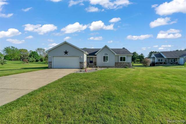 11476 Orchard Parkway, Tyrone Twp, MI 48430 (MLS #2200037957) :: The Toth Team