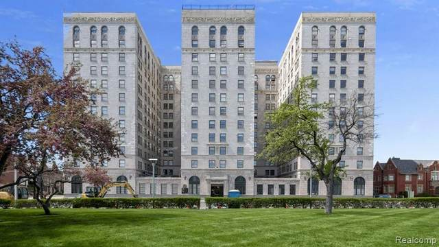 15 E Kirby Street #1122, Detroit, MI 48202 (MLS #2200038148) :: The John Wentworth Group