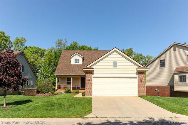 31013 Tanglewood Drive, Novi, MI 48377 (MLS #2200038152) :: The Toth Team