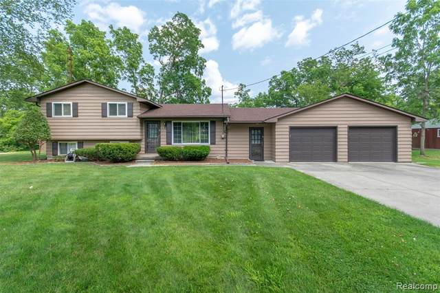 6576 Linden Road, Tyrone Twp, MI 48430 (MLS #2200038154) :: The Toth Team