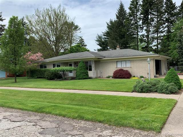 6653 Powers Court, Shelby Twp, MI 48317 (#2200038172) :: Alan Brown Group