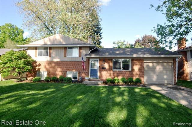 39844 Parklawn Drive, Sterling Heights, MI 48313 (#2200038268) :: Alan Brown Group