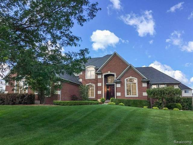 3800 Basswood Court, Oakland Twp, MI 48363 (#2200038288) :: The Merrie Johnson Team