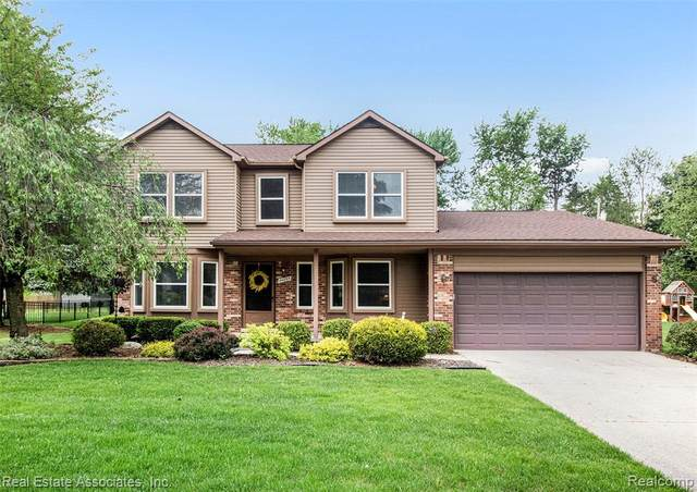 44895 Yorkshire Drive, Novi, MI 48375 (MLS #2200038311) :: The Toth Team