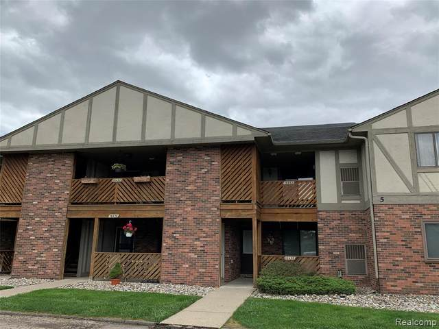 16452 Clarkson Drive #70, Fraser, MI 48026 (#2200038320) :: Alan Brown Group