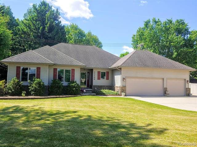 21109 Northline Road, Taylor, MI 48180 (MLS #2200038342) :: The Toth Team