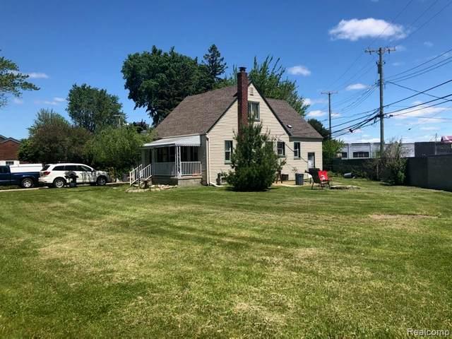 28434 Victor Street, Roseville, MI 48066 (MLS #2200038783) :: The Toth Team