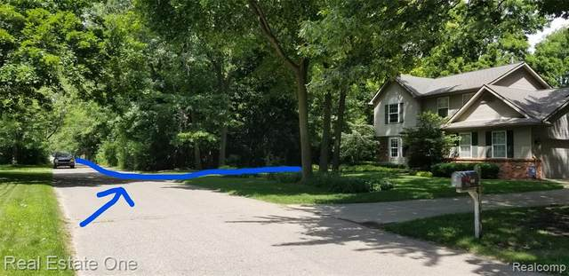 0000 Bywater, West Bloomfield Twp, MI 48324 (MLS #2200038819) :: The Toth Team