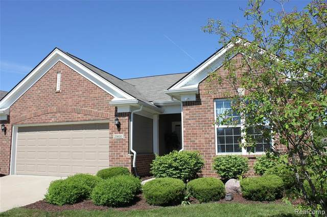 23830 Montague Drive, Brownstown Twp, MI 48134 (MLS #2200038888) :: The Toth Team