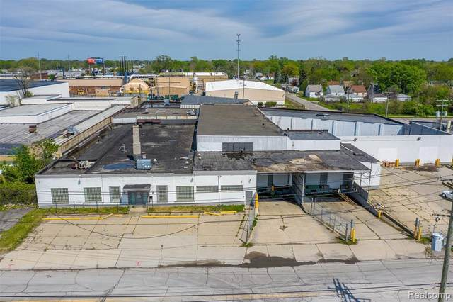 20530 Hoover Street Street, Detroit, MI 48205 (#2200039296) :: Alan Brown Group