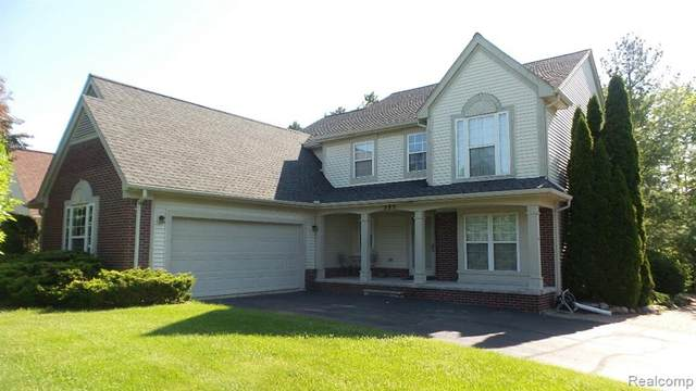 395 Sandhurst Street, Oxford Twp, MI 48371 (#2200039437) :: The Merrie Johnson Team