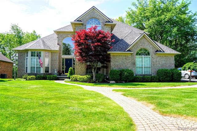6751 Berry Pointe Drive, Independence Twp, MI 48348 (#2200039443) :: GK Real Estate Team