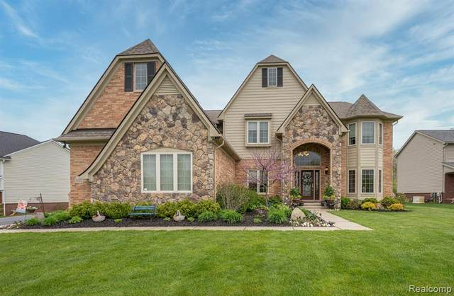7172 Ingomar Lane, Springfield Twp, MI 48348 (#2200039553) :: The Merrie Johnson Team
