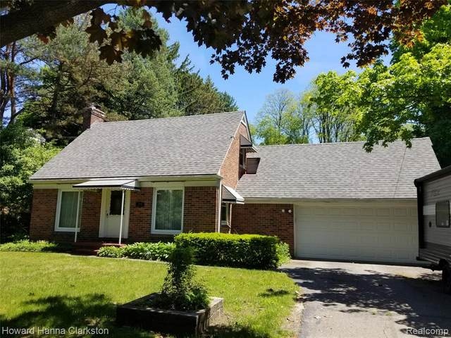 3838 Clintonville Rd Road, Waterford Twp, MI 48329 (MLS #2200039695) :: The Toth Team