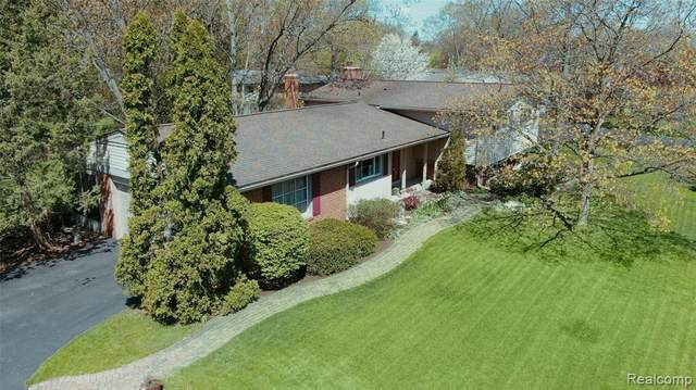 3711 Paddington Drive, Troy, MI 48084 (#2200039847) :: RE/MAX Nexus