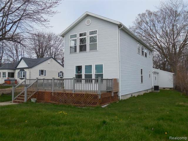 3857 Nelson Drive SW, Frenchtown Twp, MI 48166 (#2200040032) :: Alan Brown Group