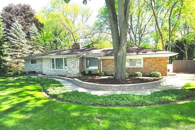 24555 Tudor Lane, Franklin Vlg, MI 48025 (#2200040438) :: GK Real Estate Team