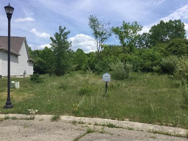 1214 Fieldstone Drive, Pontiac, MI 48340 (MLS #2200040507) :: The John Wentworth Group