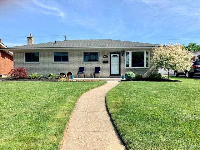 11653 Brougham Drive, Sterling Heights, MI 48312 (MLS #2200040721) :: The Toth Team