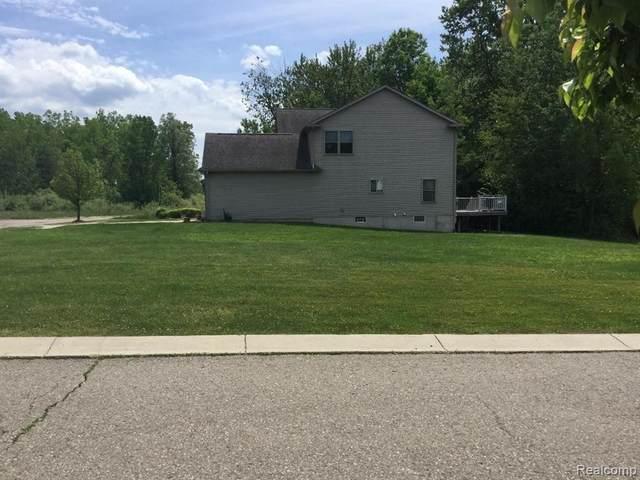 1140 Fieldstone Drive, Pontiac, MI 48340 (MLS #2200040774) :: The John Wentworth Group