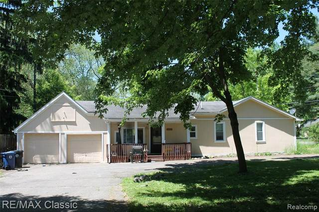 19397 Gaylord, Redford Twp, MI 48240 (#2200040852) :: BestMichiganHouses.com