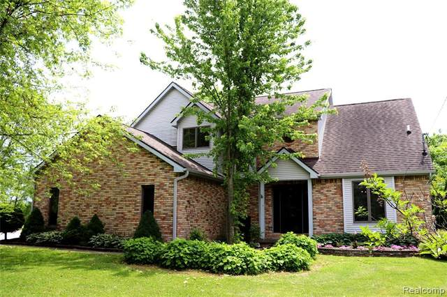 5475 Grand Blanc Road, Mundy Twp, MI 48473 (#2200041221) :: Alan Brown Group