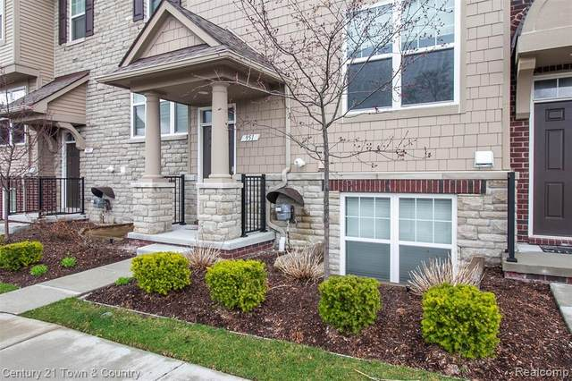 951 Barclay Circle #48, Rochester Hills, MI 48307 (#2200041378) :: Duneske Real Estate Advisors