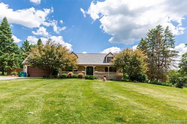 6070 Ford Road, Commerce Twp, MI 48382 (#2200041570) :: Alan Brown Group